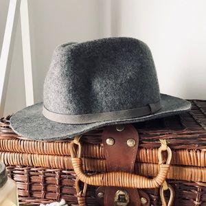 Gray fall hat